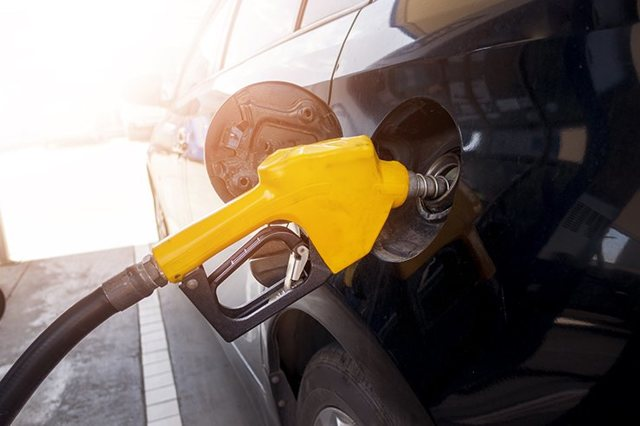 Каким веществом является нефть: откуда берётся и из чего состоит?